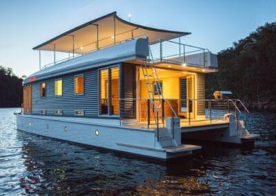 Solar electric boat rear bifold