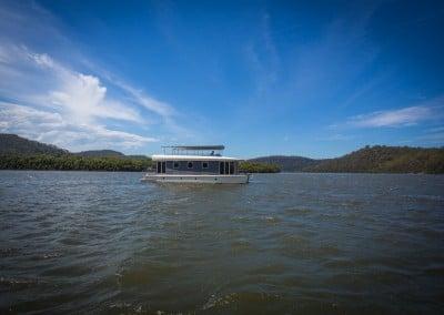 Side Solar boat